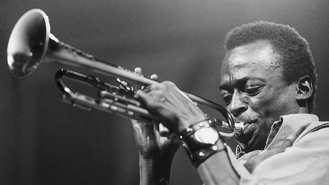 De versiones, revisiones y pervesiones: Miles Davis, Chet Baker y Sun Ra puestos al día