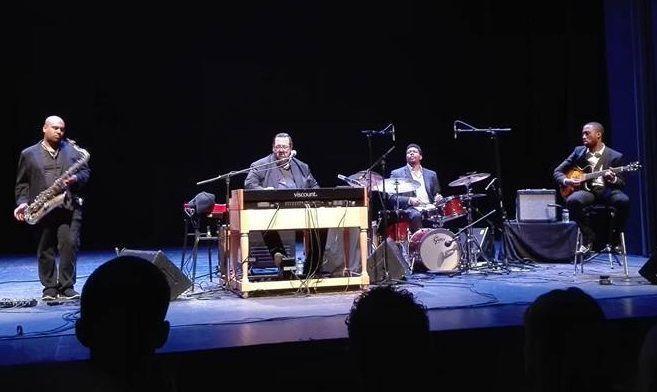 Joey DeFrancesco + The People – Teatre Monumental (Mataró)