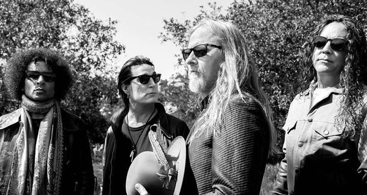 Otro adelanto de Alice In Chains